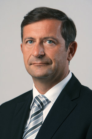 http://www.eu2008.si/includes/ImagesSlovenianPresidency/Government/Karl_Erjavec.jpg