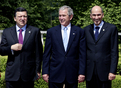 Family photo: Jose Manuel Barroso, George W. Bush and Janez Janša