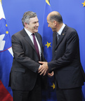 Prime Minister Gordon Brown welcomed by the Slovenian Prime Minister, President of the Council Janez Janša